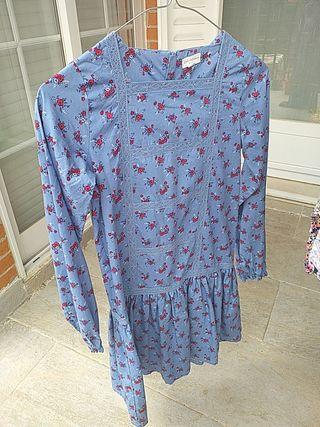 Vestido azul con flores niña