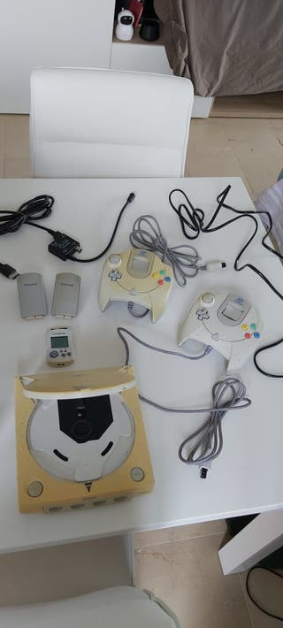 Consola Dreamcast mas accesorios varios