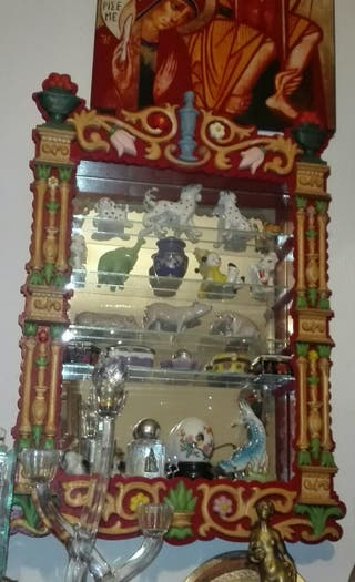 Vitrina expositora Vintage Única madera tallada