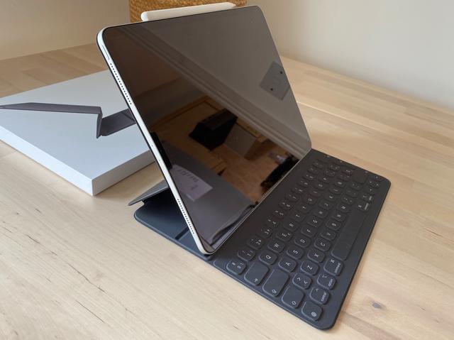 Teclado Smart Keyboard Folio para iPad Pro 12.9