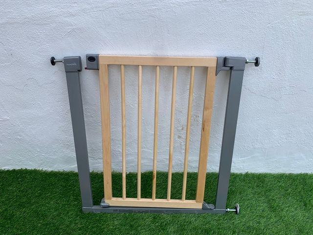 Puerta valla seguridad niños