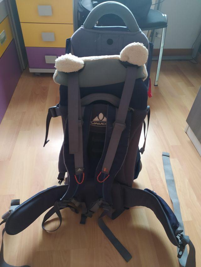 mochila portabebes montaña