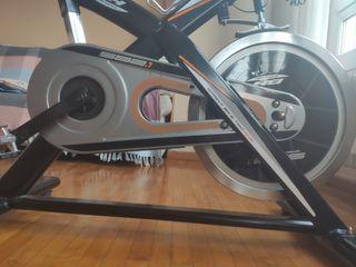 Bicicleta estática BH fitness sb2.1