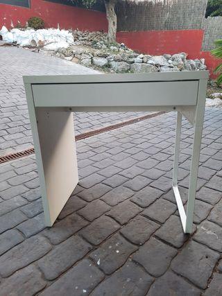Escritorio MICKE Ikea 73x50