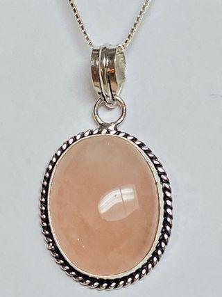 Colgante de Cuarzo Rosa + Cadena en plata de ley