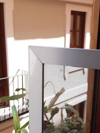 Mosquitera de aluminio en color blanco 115 x 82 cm