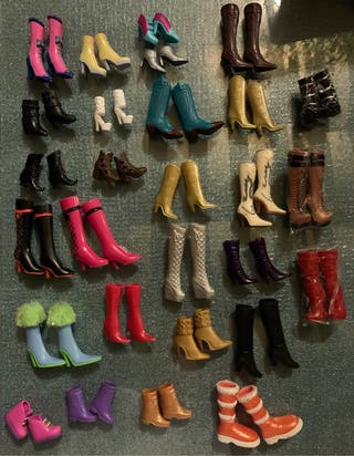 Botas de muñecas