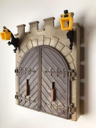 Puerta entrada Castillo Famobil
