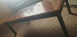 coffee table.the amount is negotiable
