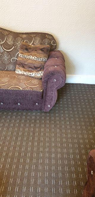 2 sofa seatys. the amount is negotiable