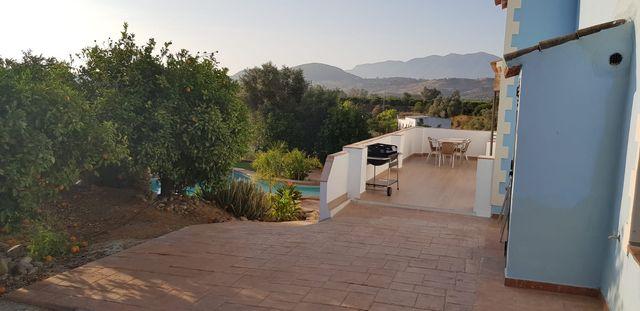 Chalet con piscina a 30 minutos de Marbella (Coín, Málaga)