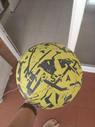 balones kipsta y nike barça