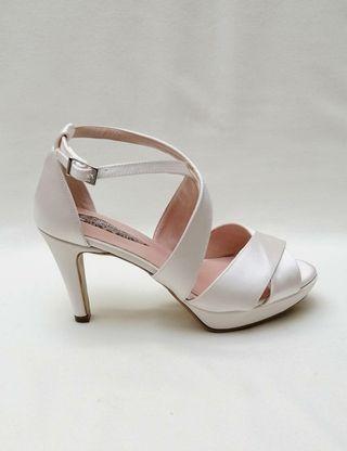 Zapatos de novia sin estrenar