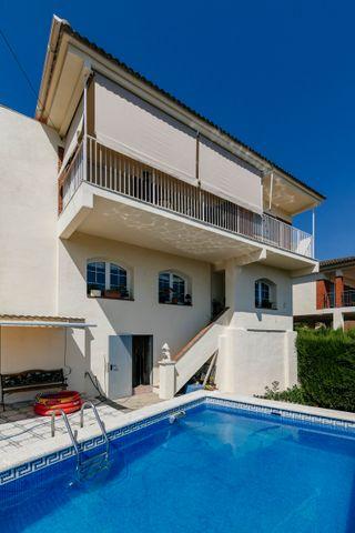 Casa con piscina en Mas Mila, 10 minutos de sitges