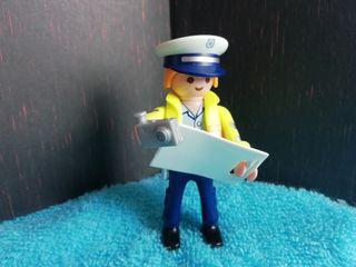 Figura Playmobil. Policía atestados.