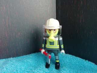 Figura Playmobil. Bombero.