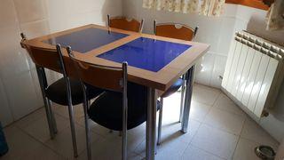 mesa y 4 sillas cocina