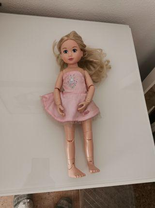 Muñeca muy articulada