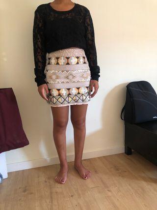Conjunto de mini falda con camiseta