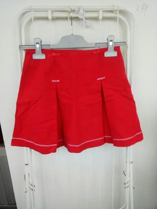 Falda roja 10 años