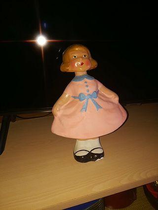 Muñeca muy muy antigua con movimiento