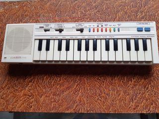 Teclado Casio PT-1 ,años 80.