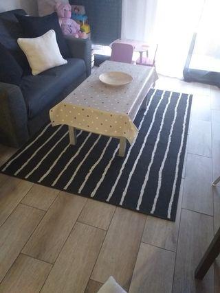 alfombra ikea grande y cojines
