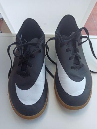 botes futbol sala Nike