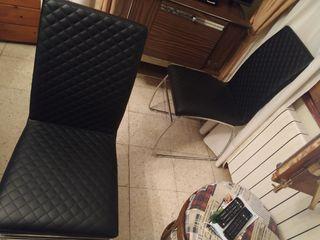 mesa gris + 4 sillas negras