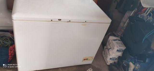 vendo un congelador que está muy bien
