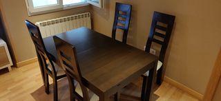 Mesa de Salón + 4 sillas.