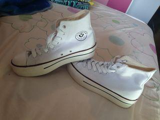 Zapatos tipo convers
