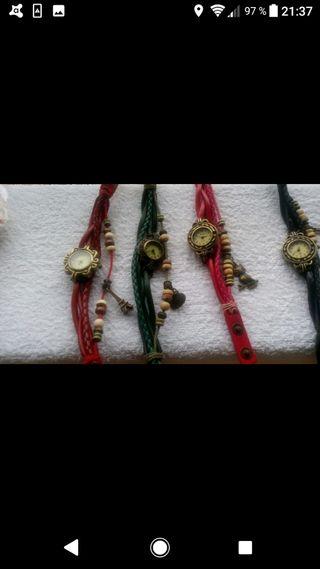 reloj con pulsera