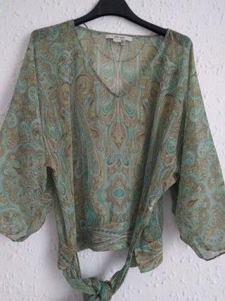 blusa verde estampada Zara talla M