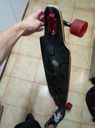 longboard marca flying wheels asombroso