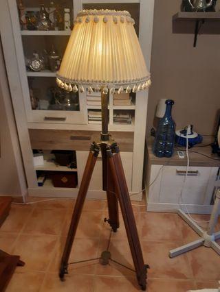 Lámpara Trípode Vintage
