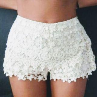 shorts crochet zara