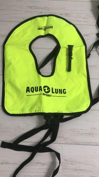 Chalecos, tubo y aletas snorkel