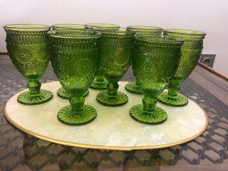 Juego de copas verdes cristal. Nuevas