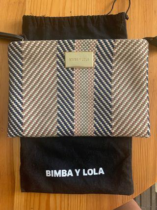 Bolso de mano Bimba y Lola con print africano