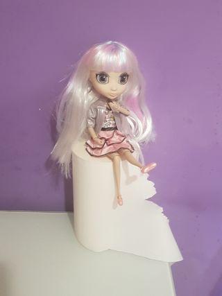 preciosa muñeca tipo pullip