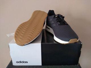 Adidas RUN70s sin uso! Zapatillas hombre Talla 9.5