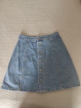 falda pull&bear talla S pero equivale a XS