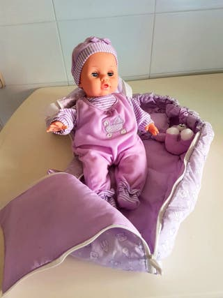Muñeca bebé con accesorios