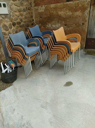 sillas y mesas de terraza
