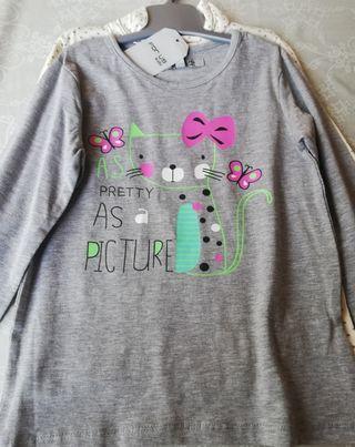 lote dos camisetas NUEVAS 4 AÑOS
