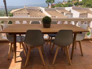Mesa comedor de madera y 6 sillas de diseño