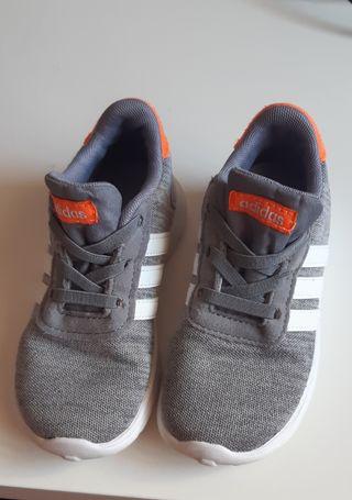 Zapatillas Adidas Niño Talla 26