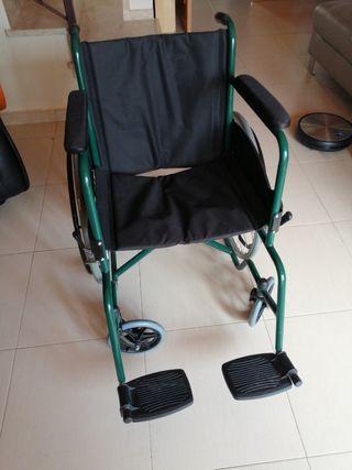 Silla con ruedas, andador, silla ducha