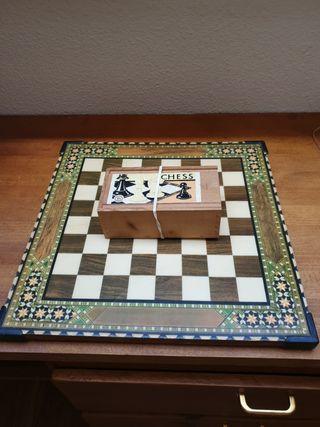 ajedrez con tablero. caja chess